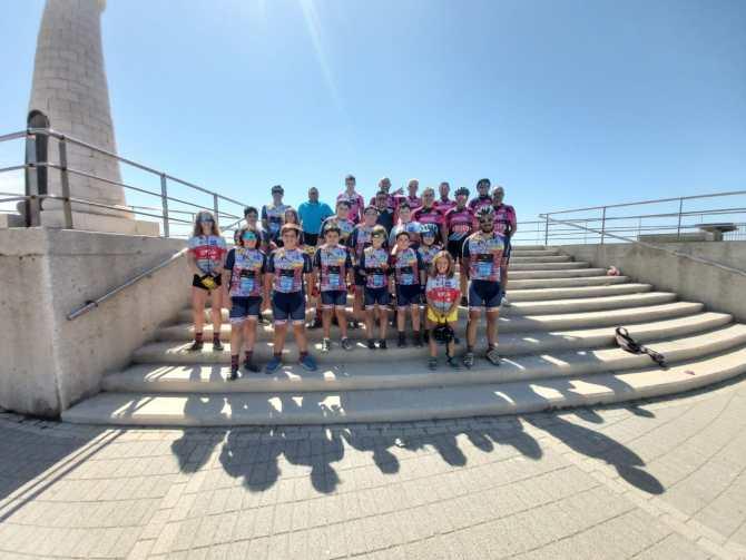 La escuela bikephilosophy-Los tiburones clausura la temporada