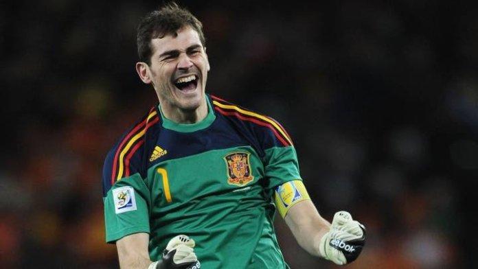 Íker Casillas cuelga los guantes