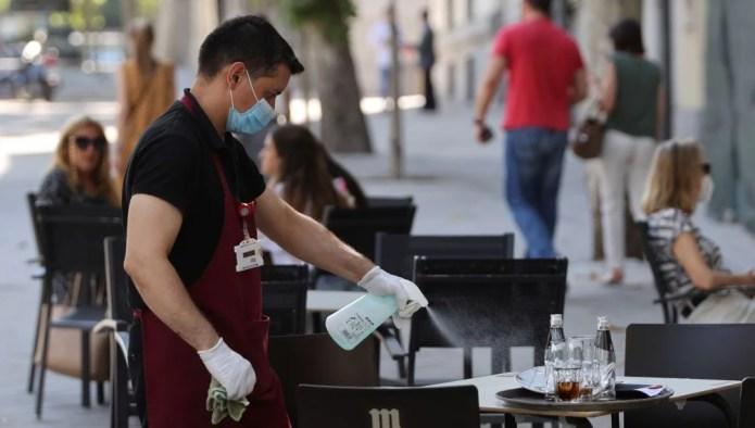 Un camarero de Burgos es el primer reinfectado por Covid-19 en España