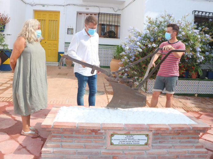 Torrox resalta su tradición agrícola y pone en valor su casco histórico