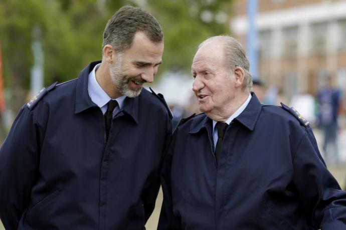 El Rey Juan Carlos I anuncia que se va fuera de España