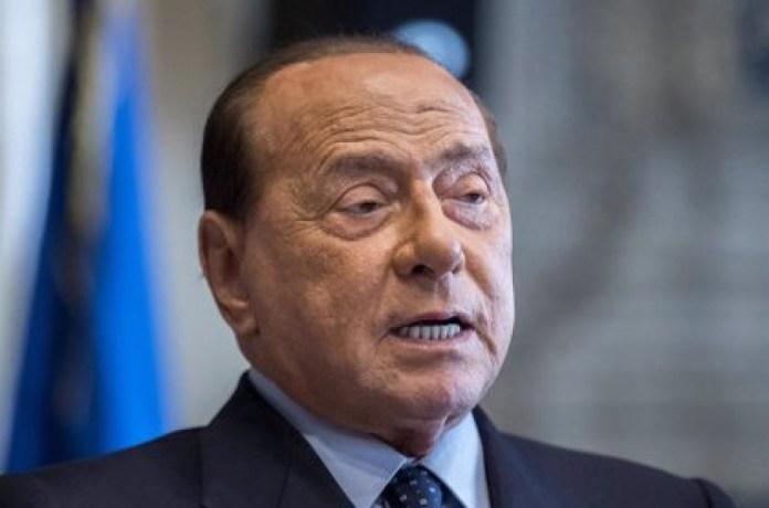 Silvio Berlusconi da positivo en Coronavirus.