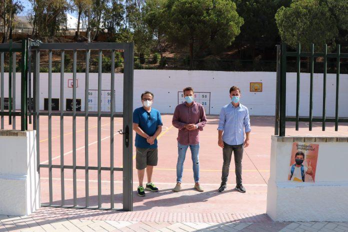 El Ayuntamiento habilita un nuevo acceso al colegio Colina del Sol de Torrox para evitar aglomeraciones