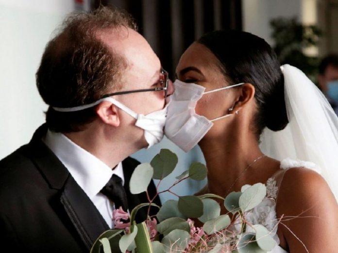 https://www.diarioaxarquia.com/noticias/andalucia/2020/09/01/las-bodas-tendran-un-maximo-de-150-personas-sin-barra-libre-y-terminaran-a-la-1-de-la-manana