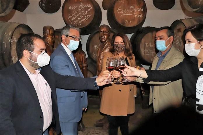 La Junta de Andalucía está decidida a reactivar el plan de acción de la uva pasa de Málaga en la Axarquía