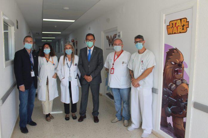 Spider-Man, Thor o Wonder Woman, protagonistas de la planta de pediatría del Hospital de la Axarquía