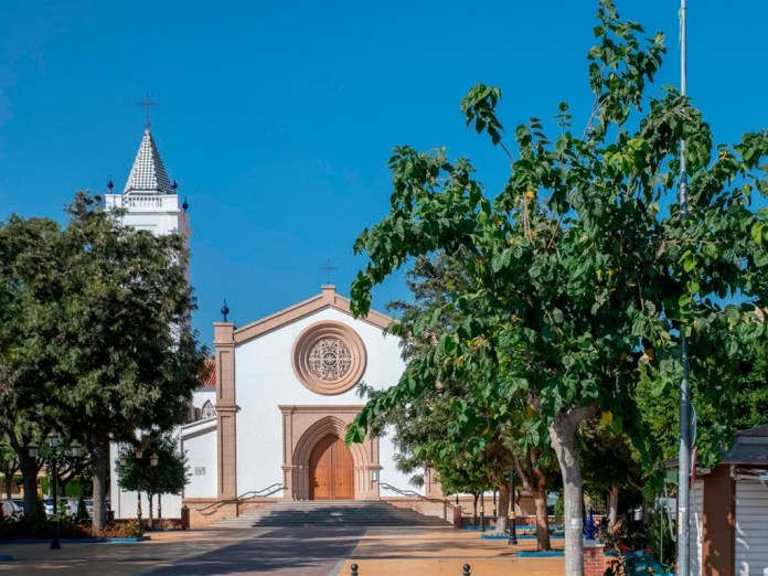 Salado muestra su apoyo a la candidatura de Las Moreras al 'concurso del Árbol Europeo 2021' y recuerda la plantación de más de una veintena de ejemplares en La Cala del Moral