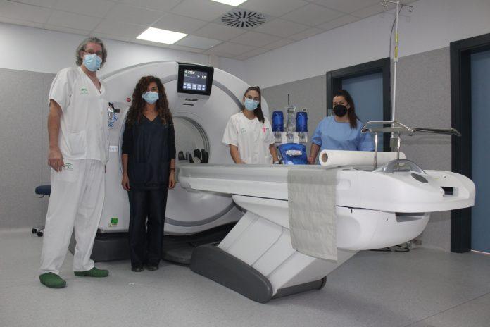 El Hospital de la Axarquía estrena dos equipos de TAC para el diagnóstico precoz del Accidente Cerebro Vascular