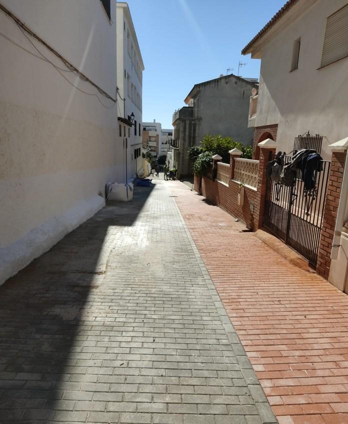 Concluyen las obras de la calle La Marina de Rincón de la Victoria tras una inversión de 153.360 euros