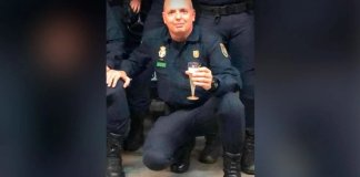 El sindicato JUPOL de la Policía Nacional ha comunicado este lunes en sus redes sociales el fallecimiento de un agente por Covid-19 de servicio en Canarias.