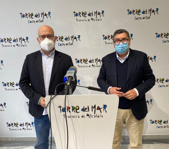 además, instar a la Junta de Andalucía, administración competente en la materia, a construir un nuevo Centro de Salud en Torre del Mar