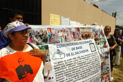 Organizaciones sociales exigen renuncia de Monseñor Escobar Alas