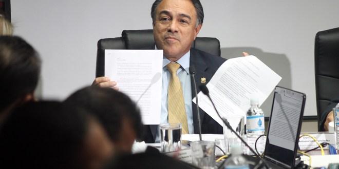 ARENA a elecciones el domingo salpicada  de escándalos de corrupción