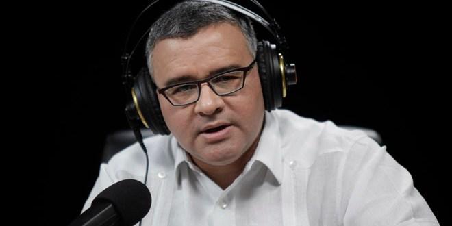 Demanda de Rendón es una cortina de humo para minimizar fuga de Flores: presidente Funes