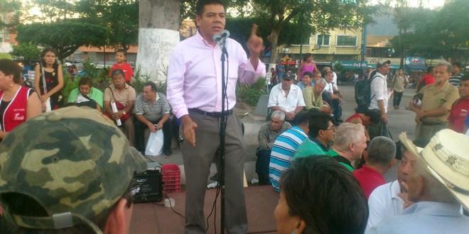 """""""Estaban acostumbrados a manejar los recursos del Estado en beneficio privado"""": FMLN"""