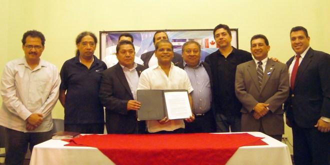 Fórmula del FMLN recibe apoyo de profesionales   y organizaciones de los Estados Unidos