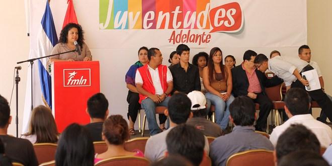 """Jóvenes apoyan al FMLN por """"cinco años más de un proceso de cambios"""""""