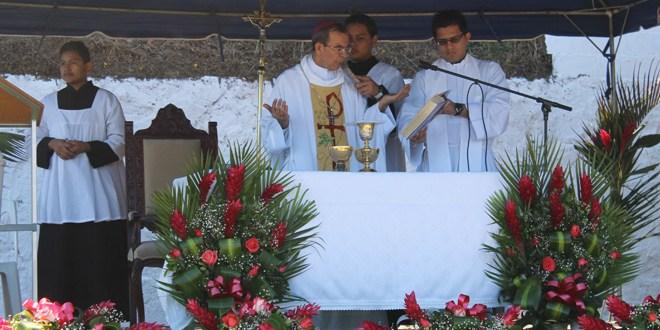 Conmemoran indignados 13 años de la tragedia en Las Colinas de Santa Tecla