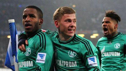 El Schalke golea al Hamburgo de la mano de un Farfán arrollador