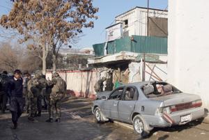 Al menos 21 muertos, entre ellos 13 extranjeros, en atentado suicida en Kabul