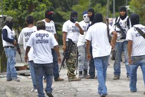 Autodefensas ganan terreno frente al narco en convulsa región mexicana