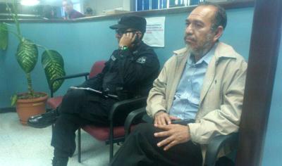 Fiscalía captura por error a director de Diario Co Latino, Francisco Valencia
