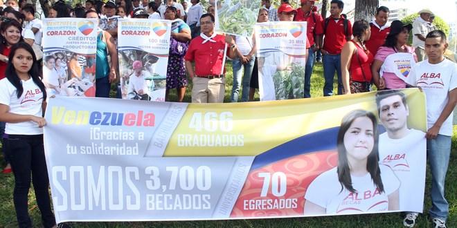 Miembros de empresas ALBA realizan manifestación en apoyo al Gobierno Venezolano