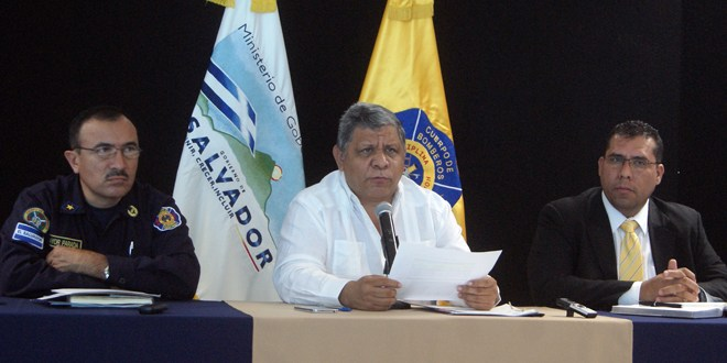 Cuerpo de Bomberos de El Salvador presenta plan para disminución de incendios