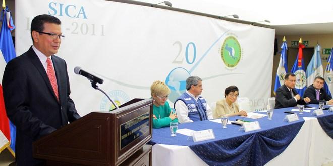 SICA precalifica quince farmacéuticas para medicamentos en Centroamérica