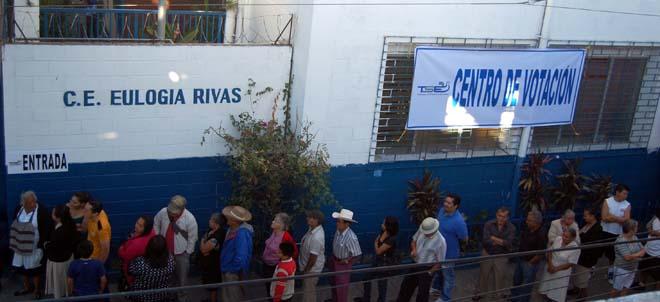 Votaciones inician con normalidad en Cojutepeque