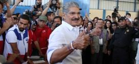 Candidatos de Arena piden retirar anuncios de presidente Funes