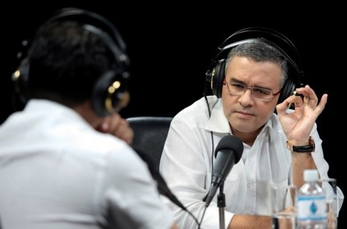 """Acusaciones de ARENA son una """"cruzada antidemocrática"""" para manchar triunfo del FMLN: Presidente Funes"""