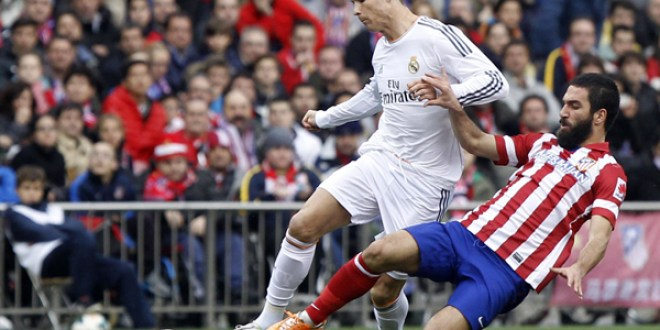 Barcelona gana otro clásico  gracias a Messi y sigue con vida