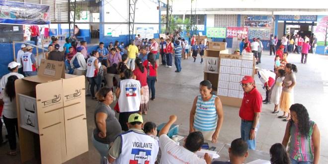 San Vicente vota con tranquilidad