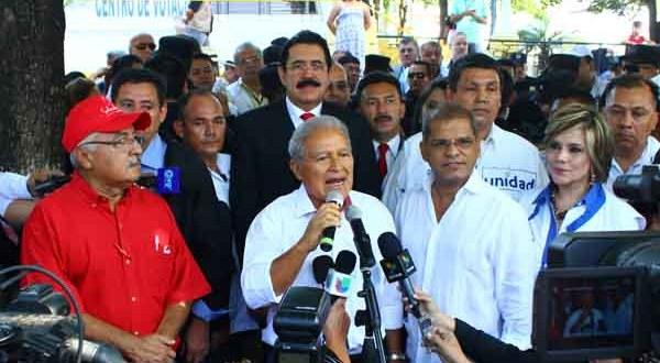 Sánchez Cerén insta a adversarios políticos a dar muestras de democracia
