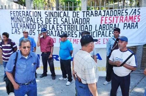 Denuncian violaciones a la ley de la carrera administrativa municipal