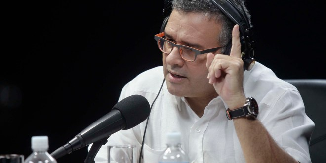 """""""Nadie está planteando una solución militar  al conflicto de Isla Conejo"""": Presidente Funes"""