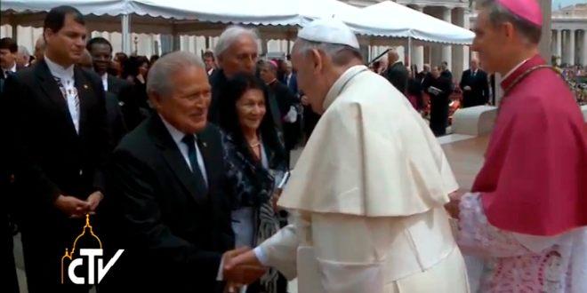 Presidente electo Salvador Sánchez Cerén  participa actos de canonización de Papas