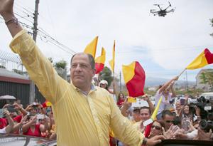 Solís perfila su gobierno tras romper décadas de bipartidismo en Costa Rica