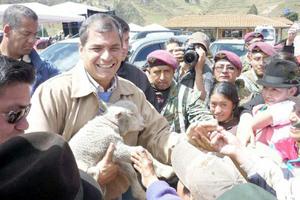 Presidente Rafael Correa alcanza 75% de aprobación ciudadana