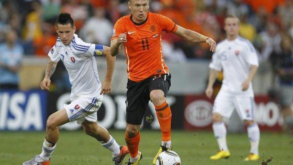 Arjen Robben inicia con Holanda su preparación para el Mundial