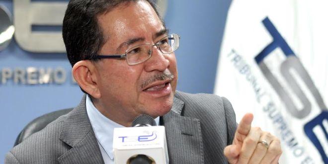Eugenio Chicas señala que sentencia reforma conformación del TSE