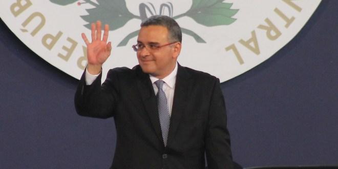 Sala Constitucional habría violado derechos constitucionales a Funes: exmagistrado Solano