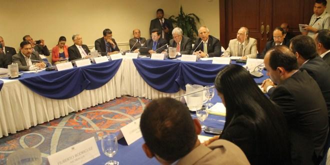 """Sigfrido Reyes: """"Seguridad debe ser un bien público"""""""