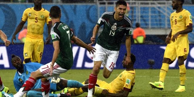 México vence 1-0 a Camerún  y comienza el Mundial con buen pie