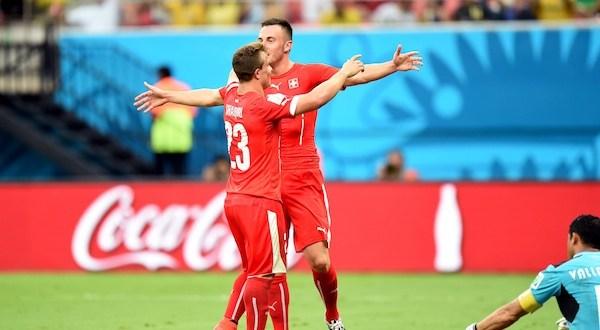 Suiza elimina a Honduras y será rival de Argentina en octavos