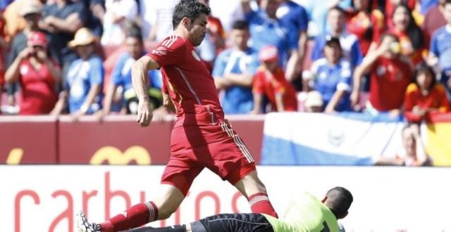 Italia doblega a Inglaterra 2-1 en digno duelo de campeones