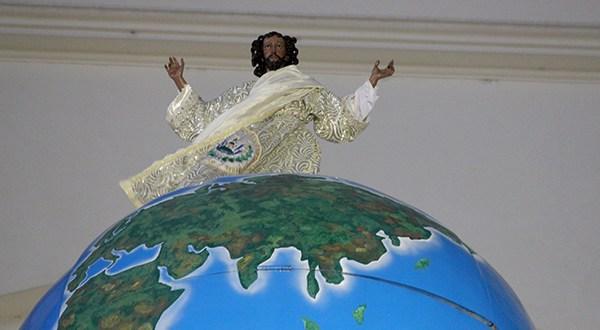 Actividades religiosas en honor al Salvador del Mundo (Galeria)