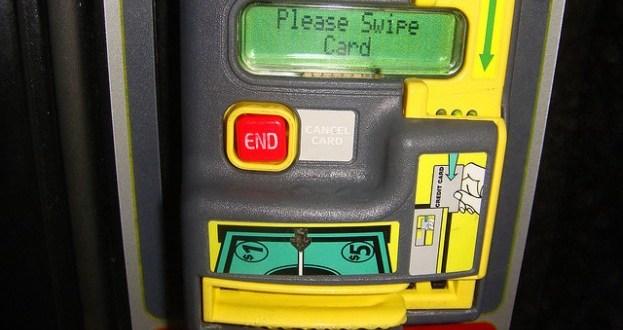 Cibercriminales pueden hackear máquinas lectoras de tarjetas de crédito