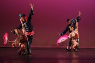 en el espectáculo se pudieron apreciar las distintas culturas de taiwán